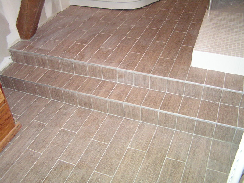 amazing meuble with pose de carrelage imitation parquet - Pose Parquet Salle De Bain